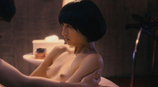 【チクビ注意】映画だと大物女優へのステップなのに、ドラマだとただの乳首要員だという女優おっぱい事情・・・(画像30枚)・1枚目