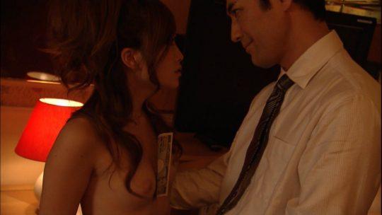 【チクビ注意】映画だと大物女優へのステップなのに、ドラマだとただの乳首要員だという女優おっぱい事情・・・(画像30枚)・15枚目