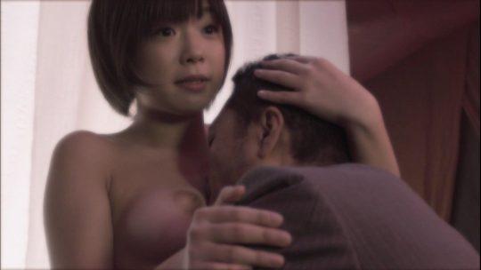 【チクビ注意】映画だと大物女優へのステップなのに、ドラマだとただの乳首要員だという女優おっぱい事情・・・(画像30枚)・19枚目