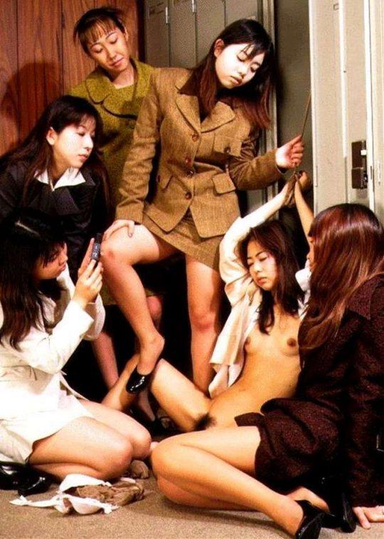 【胸糞注意】スクールカースト下位の女子へのイジメが想像以上に陰湿過ぎ・・・(((;゚Д゚))))ガクブル (画像30枚)・8枚目