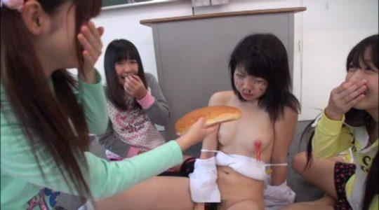 【胸糞注意】スクールカースト下位の女子へのイジメが想像以上に陰湿過ぎ・・・(((;゚Д゚))))ガクブル (画像30枚)・17枚目