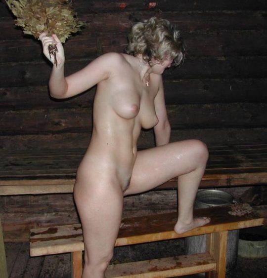 混浴でも水着着用が普通なのに、サウナでは全裸がデフォというフィンランドのサウナ事情、、裏山杉。。。(画像あり)・25枚目