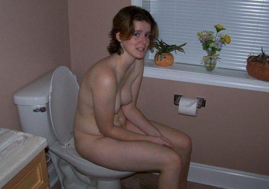 【悪ノリ注意】外国人ま〜んさんのトイレのドアをノックせずに開けた結果wwwwwwwwwwwwwww(画像あり)・25枚目
