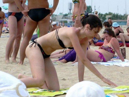 【画像あり】陽気な外国人が集まるビーチに一眼レフもっていった結果wwww 天国ワロタwwwwwwwwwwwwwwwwww・4枚目