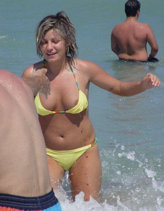 【画像あり】陽気な外国人が集まるビーチに一眼レフもっていった結果wwww 天国ワロタwwwwwwwwwwwwwwwwww・23枚目