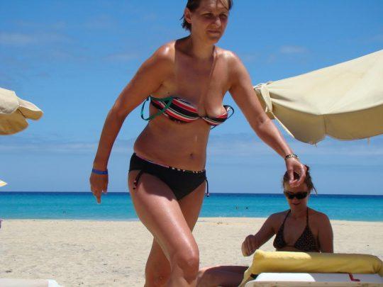 【画像あり】陽気な外国人が集まるビーチに一眼レフもっていった結果wwww 天国ワロタwwwwwwwwwwwwwwwwww・26枚目