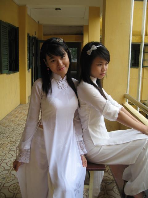"""【伝統】ベトナムの""""アオザイ""""とかいう民族衣装スケルトン具合が桁外れwwwwwwwwwwww(画像あり)・7枚目"""