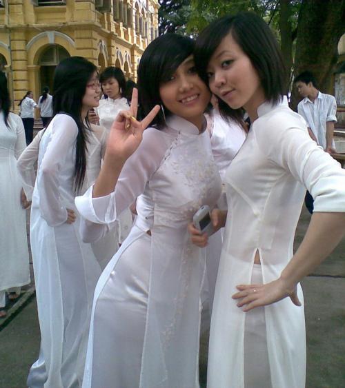 """【伝統】ベトナムの""""アオザイ""""とかいう民族衣装スケルトン具合が桁外れwwwwwwwwwwww(画像あり)・10枚目"""
