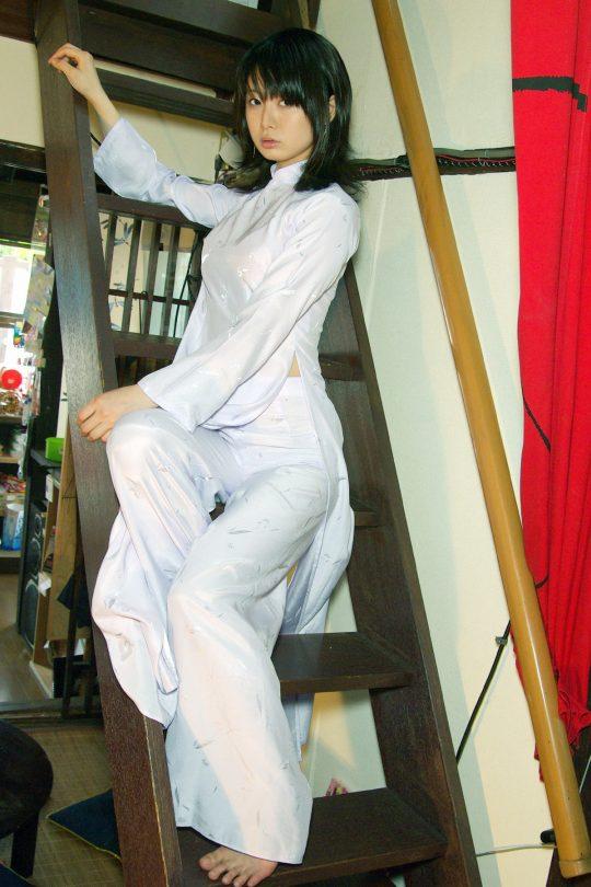 """【伝統】ベトナムの""""アオザイ""""とかいう民族衣装スケルトン具合が桁外れwwwwwwwwwwww(画像あり)・16枚目"""