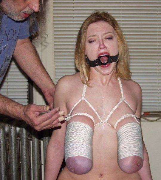 【※閲覧注意】ワイ将、外人ガチ勢のSMを探すも拷問レベルばかりでチンコ縮み上がる。。。(画像30枚)・4枚目