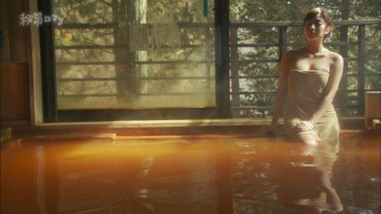 """【ついに陥落】エロ成分少な目なお堅い温泉番組""""秘湯ロマン""""、ついにマンチラ放送事故をやらかす・・・・・(キャプ画像50枚)・38枚目"""