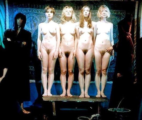 【胸糞】性奴隷として売られた女性をご覧下さい、人権も糞も無くてさすがのワイも勃起出来ん・・・・・(画像130枚)・66枚目