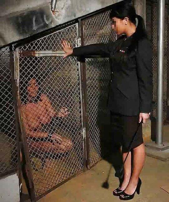 【胸糞】性奴隷として売られた女性をご覧下さい、人権も糞も無くてさすがのワイも勃起出来ん・・・・・(画像130枚)・69枚目
