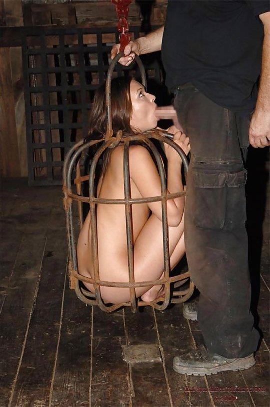 【胸糞】性奴隷として売られた女性をご覧下さい、人権も糞も無くてさすがのワイも勃起出来ん・・・・・(画像130枚)・73枚目