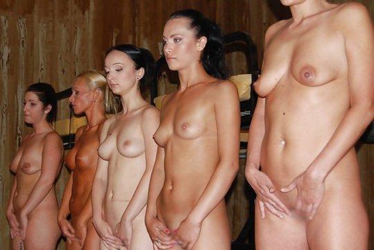 【胸糞】性奴隷として売られた女性をご覧下さい、人権も糞も無くてさすがのワイも勃起出来ん・・・・・(画像130枚)・79枚目