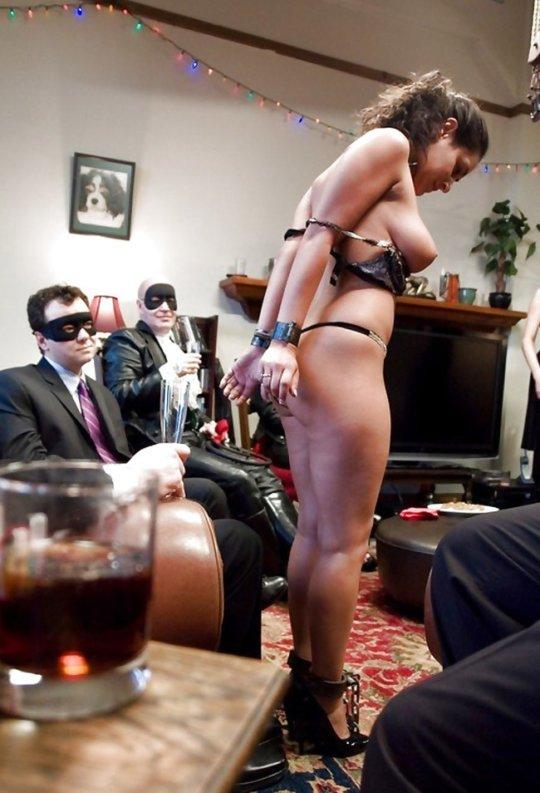 【胸糞】性奴隷として売られた女性をご覧下さい、人権も糞も無くてさすがのワイも勃起出来ん・・・・・(画像130枚)・83枚目