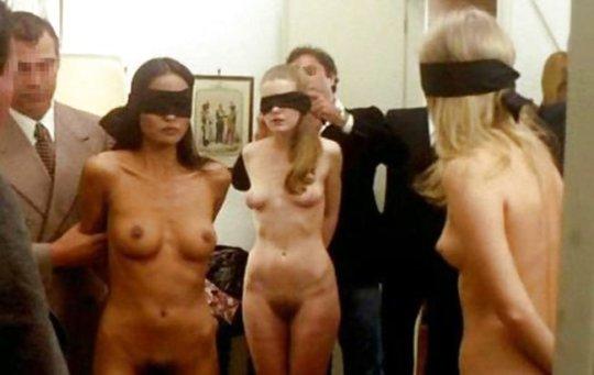 【胸糞】性奴隷として売られた女性をご覧下さい、人権も糞も無くてさすがのワイも勃起出来ん・・・・・(画像130枚)・88枚目