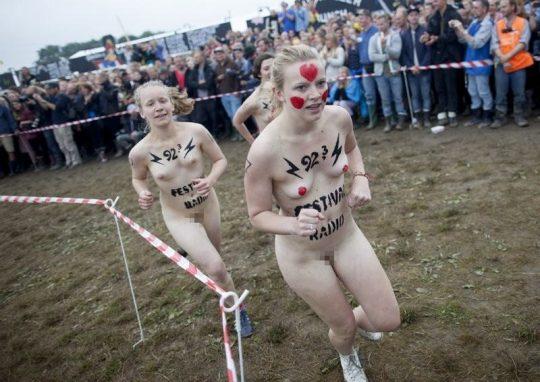 【オープンエロス文化】ワイ将こういう全裸イベントが余裕で開催される外国文化が羨まし過ぎて咽び泣く。。。(画像30枚)・7枚目