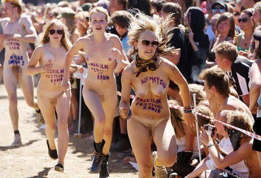 【オープンエロス文化】ワイ将こういう全裸イベントが余裕で開催される外国文化が羨まし過ぎて咽び泣く。。。(画像30枚)・29枚目