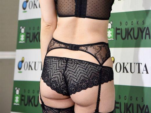 【ガイジ】元女子アナの脊山麻理子さん、とんでもない下着姿でイベントに登場するwwwwwwwwwwww(画像多数)