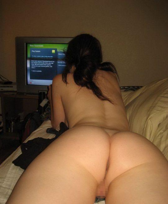 【解放感】一人でゲームする時も全裸な女wwwwwwwwwwwwwwwwwwwwwwwwwwww(画像30枚)・5枚目