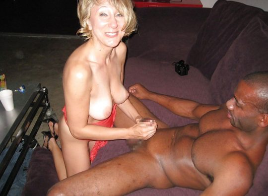【ほぼ獣姦】白人まんさんと黒人ち~んのセックス、異人種姦と言うより獣姦のノリでワロタwwwwwwwwwwwww(画像30枚)・16枚目