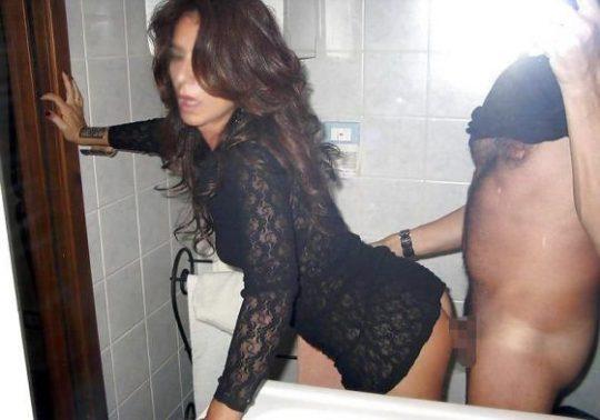 【SNS依存】外人リア充ニキ「彼女とのセックス鏡越しに撮ったろw」←わかる、「無修正でSNSに流したろww」←コレwwwwww(画像30枚)・25枚目