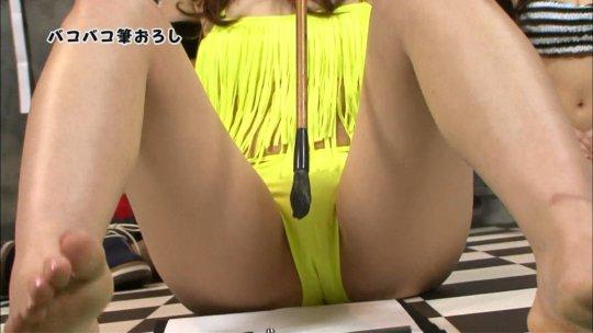 【芸能人・マンコ】TVで堂々と放送された女性タレントの股間をご覧くださいwwww(画像130枚)・14枚目