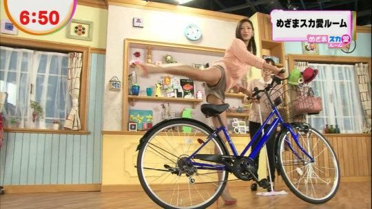【芸能人・マンコ】TVで堂々と放送された女性タレントの股間をご覧くださいwwww(画像130枚)・57枚目