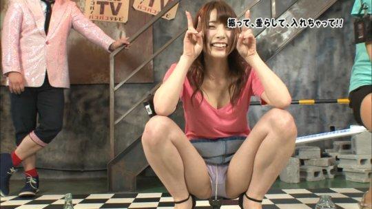 【芸能人・マンコ】TVで堂々と放送された女性タレントの股間をご覧くださいwwww(画像130枚)・62枚目