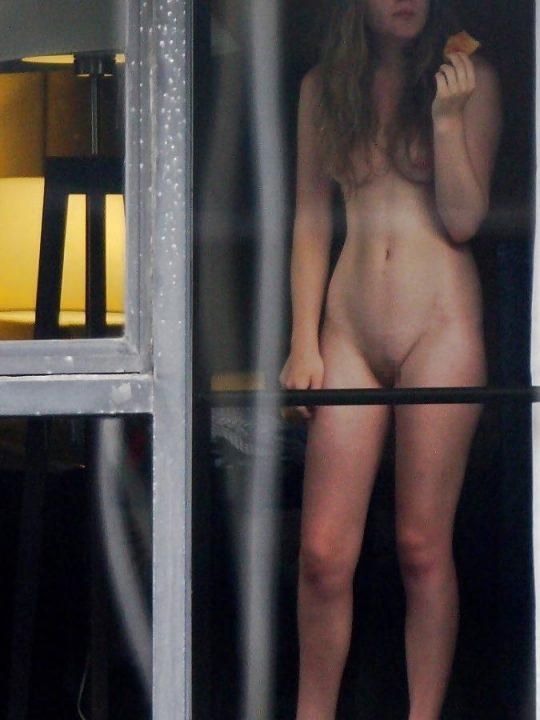 【民家盗撮】外国のガチ盗撮犯・・・こいつら高額訴訟上等杉だろ。。。(画像30枚)・26枚目