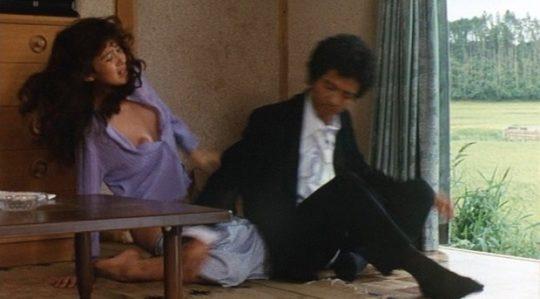 【有能監督】ベテラン女優が存在感を見せつける渾身の濡れ場、実は半分以上はストーリーに関係無いって事おまえら知ってる?wwwww(画像あり)・7枚目