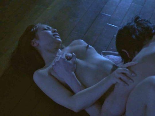 【有能監督】ベテラン女優が存在感を見せつける渾身の濡れ場、実は半分以上はストーリーに関係無いって事おまえら知ってる?wwwww(画像あり)・22枚目
