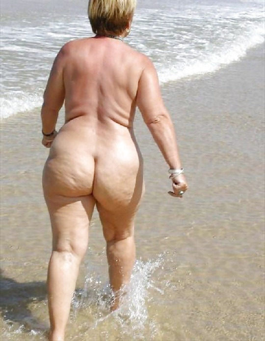 【ありがた迷惑】白豚まんさん「せっかくヌーディストビーチやし裸晒したろwおまえらシコってええでwww」←マジで死ね!!!!!!(画像あり)・14枚目