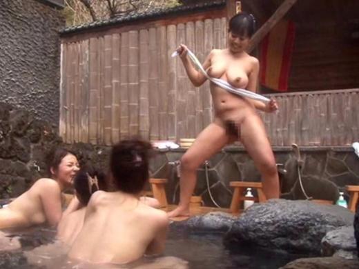(写真あり)女子同士で混浴来てテンション上がった結果がこれwwwwwwwwwwwwwwww