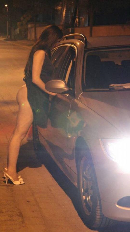 【路上相場50$】外国のお尻丸出し路上売春婦、ゲームGTAまんまでワロタwwwwwwwwwww(画像30枚)・12枚目