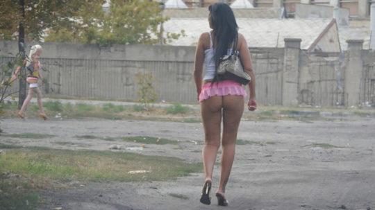 【路上相場50$】外国のお尻丸出し路上売春婦、ゲームGTAまんまでワロタwwwwwwwwwww(画像30枚)・16枚目