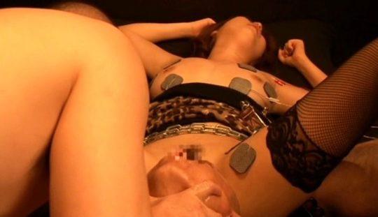 【スカルファック】マ ン コ に 大 人 の 頭 を 挿 入 さ れ た A V 女 優 の 末 路 ・・・おい、これガチではいっとるやんけ。。 (画像あり)・10枚目