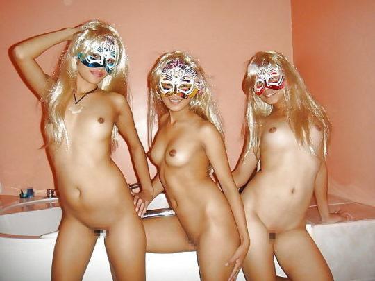 【外人エロ文化】貧相な肉体の日本人には全く似合わない仮面エロス、ムッチリ外人まんさん似合い過ぎワロタwwwwwwwwww(画像30枚)・20枚目