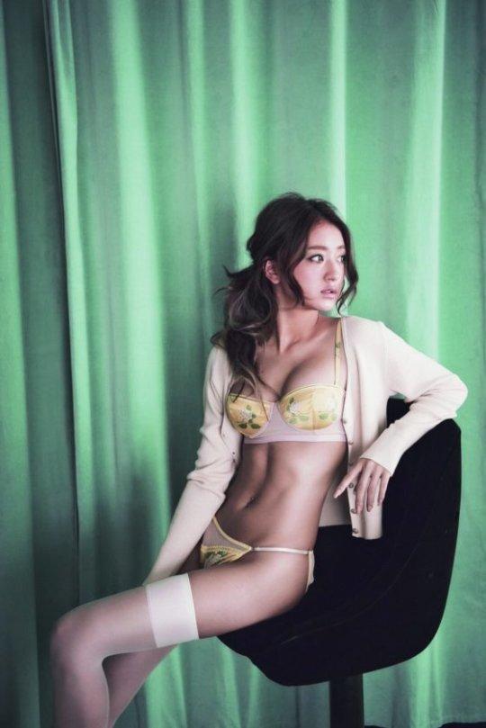 【みちょぱ】池田美優のおっぱいとかパンチラサービスしてるエロ画像まとめ。(350枚)・318枚目