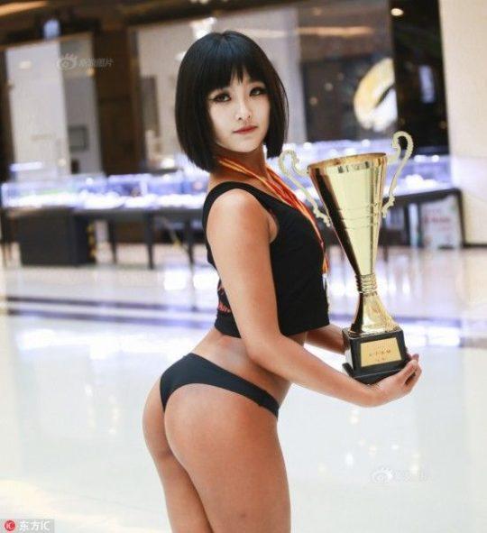 【圧倒的美尻】中国遼寧省のショッピングモールで開催された美尻コンテスト、302番の尻が圧倒的過ぎてワロタwwwwwwwwww(画像あり)・19枚目