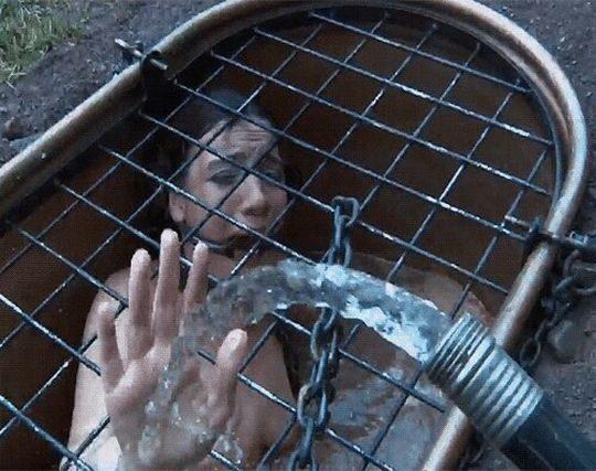 【すぐ死ぬ速報】外国人SMマニア(ガチ勢)に人気の水責め拷問、いつもより興奮する反面すぐ死ぬ模様・・・・・(画像30枚)・30枚目