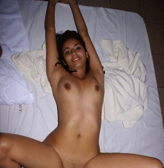 【褐色美人】日本人には馴染みの少ないインド系外国人、乳首の色以外は正直アリだよなwwwwwwwwww(画像30枚)・14枚目
