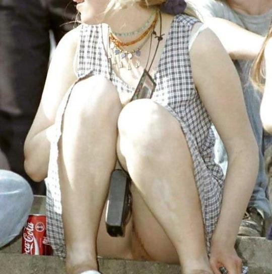 【外人あるある】外人盗撮ニキ「ミニスカやんけ、パンツ撮ったろw」まんさん「残念でしたー、ノーパンなので撮れませーんw」←コレwwwwwwwww・11枚目