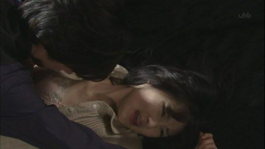 """【お茶の間戦慄】このシーンがあったら大体煽り文句が""""衝撃の問題作!""""とかになる一流女優のレイプシーンでも貼ってこうぜ。(画像あり)・8枚目"""
