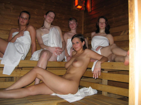 男女混浴しかもタオル着用NGという北欧サウナの様子がこの世の天国杉て息子が泣いたwwwwwwwwwwwwwwww(画像あり)・14枚目