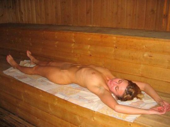 男女混浴しかもタオル着用NGという北欧サウナの様子がこの世の天国杉て息子が泣いたwwwwwwwwwwwwwwww(画像あり)・24枚目