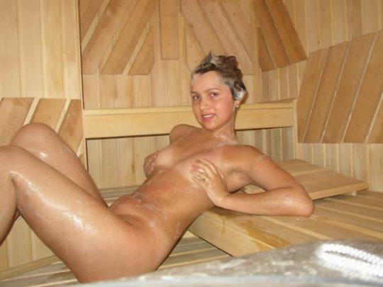 男女混浴しかもタオル着用NGという北欧サウナの様子がこの世の天国杉て息子が泣いたwwwwwwwwwwwwwwww(画像あり)・25枚目