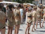 【ガチ胸糞注意】「性奴隷」として競売にかけられる女たちの光景マジでキツ杉・・・(画像あり)