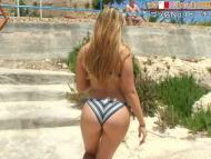 【巨尻美女】世界さまぁ~リゾートinマルタ、カメラマンが完全にこの美女の巨尻ロックオンしててワロタwwwwwww(画像、GIFあり)